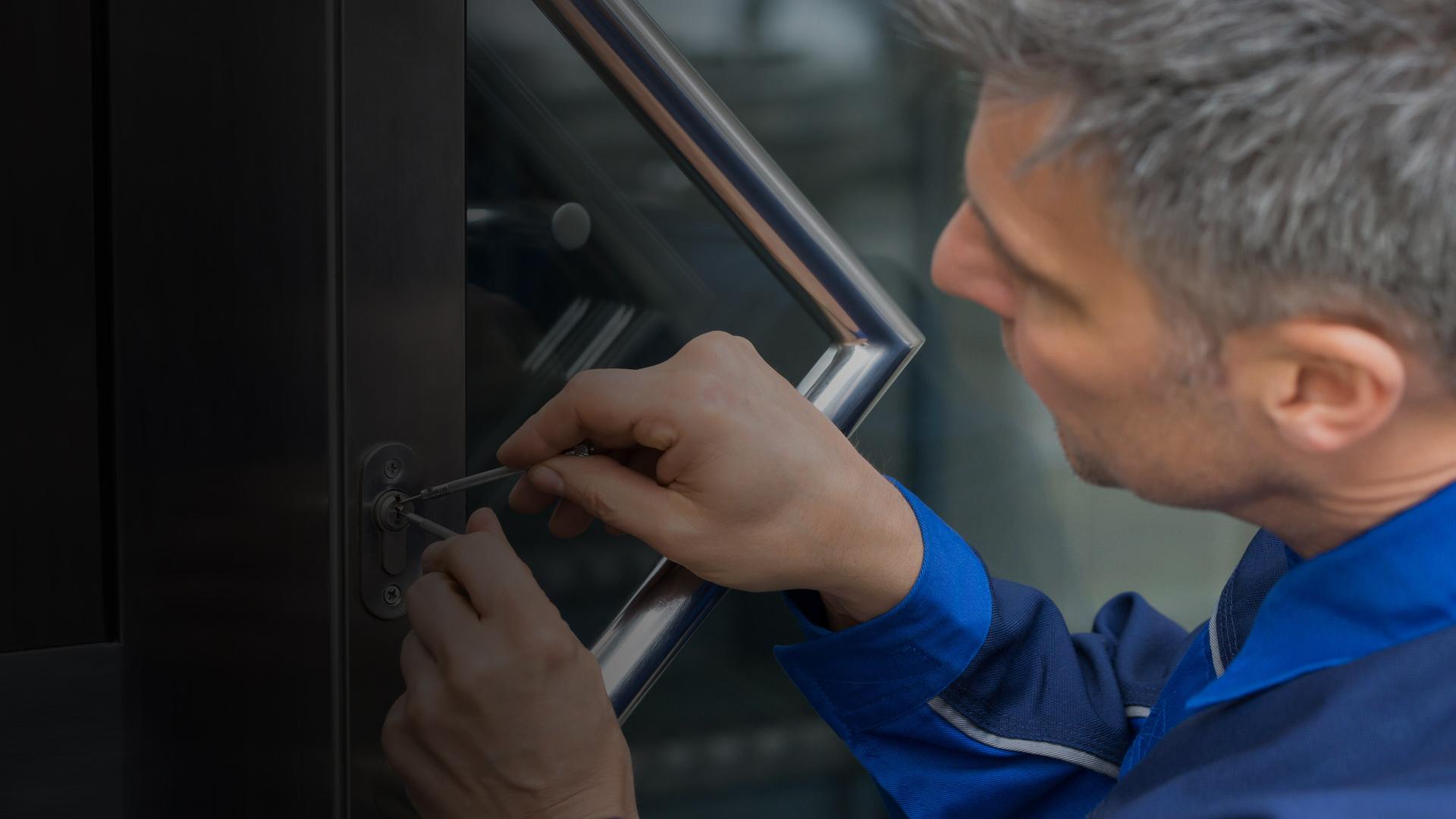 door lock repair lock repair locksmith repair