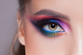 Makeup Rules For People Who Wear Contact Lenses